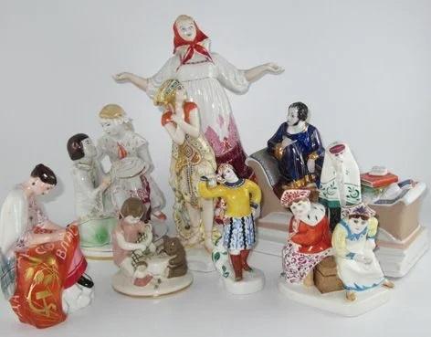 Старинные статуэтки и антикварный фарфор